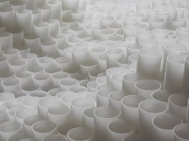 Tara Donovan's Untitled Plastic Cup Installation5_tara-donovan